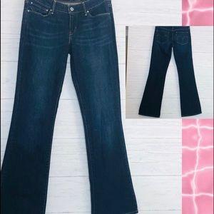 LEVI'S DEMI CURVE Bootcut Medium Wash Jeans - 28